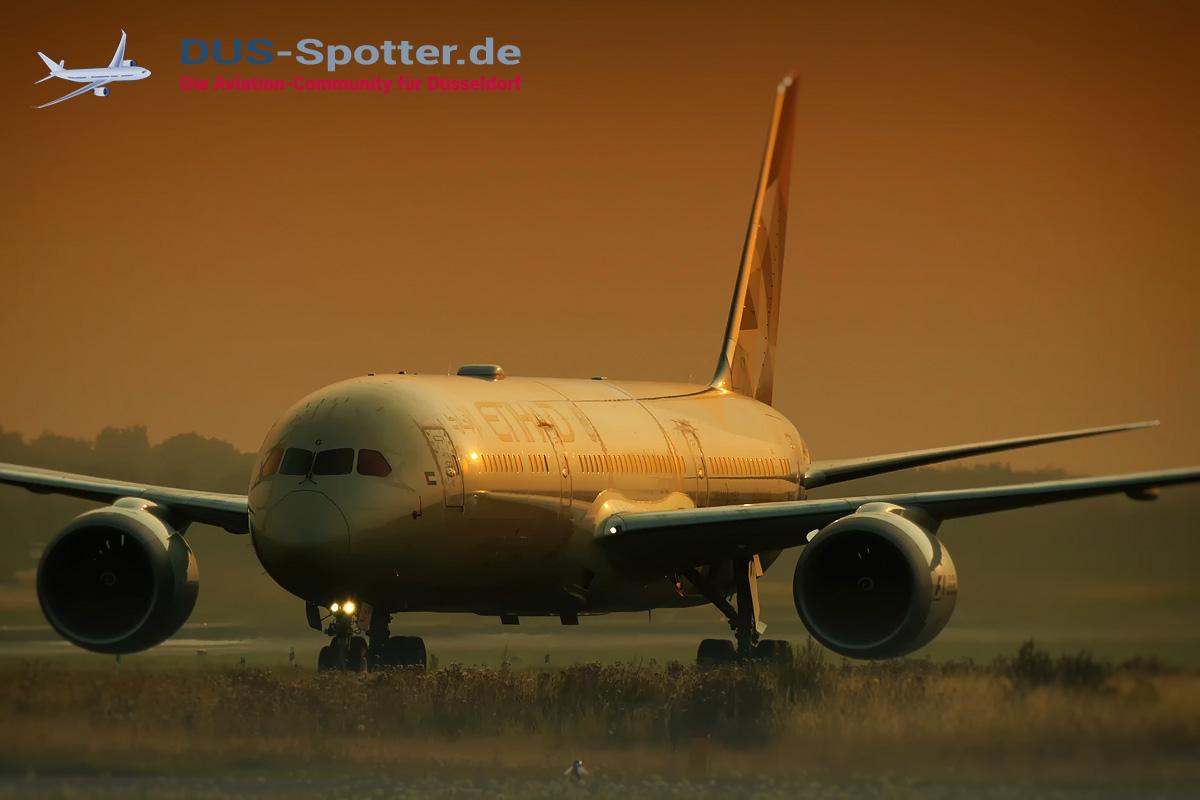 A6-BLG Etihad Boeing 787-9
